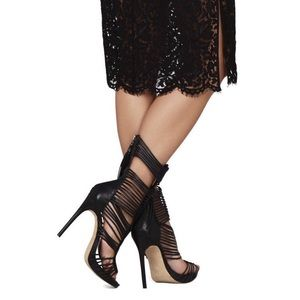 Vince Camuto Shoes - Vince Camuto Black Barbara Gladiator Dress Sandals